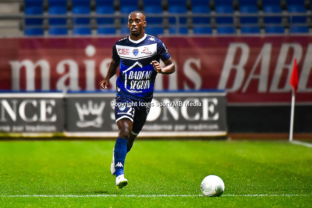 Lionel CAROLE  - 15.12.2014 - Troyes / Nimes - 17e journee Ligue 2<br /> Photo : Fred Porcu / Icon Sport