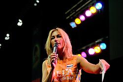 10-05-2008 VOLLEYBAL: DELA MEIDENDAG: APELDOORN<br /> Zo n 1500 meisjes woonden de teampresentatie van het Nederlands vrouwenvolleybalteam bij. De DELA meidendag werd weer een groot succes / Wendy van Dijk<br /> ©2008-WWW.FOTOHOOGENDOORN.NL
