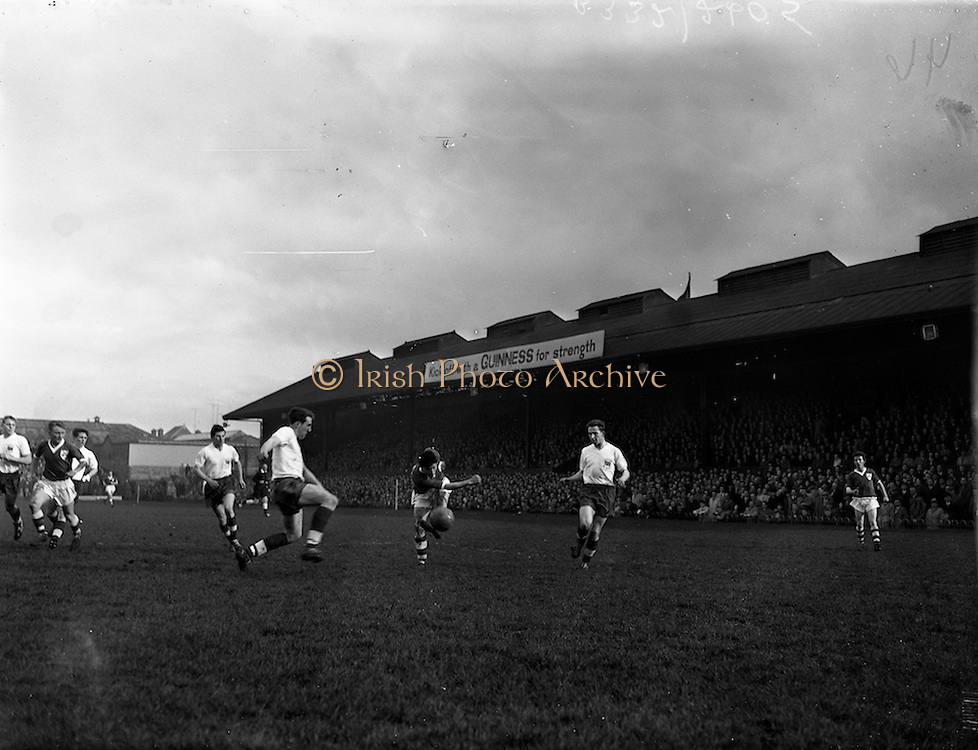 13/03/1960<br /> 03/13/1960<br /> 13 March 1960<br /> Soccer Amateur International: Ireland v Great Britain at Dalymount Park, Dublin. T. Thompson and L. Brown of Great Britain, fail to block this shot of S. Coad (Ireland).