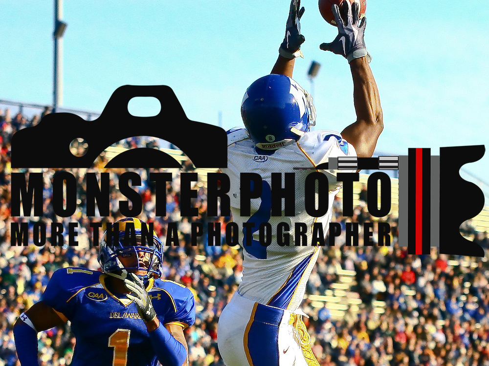 Newark DE, 11/07/2009: Hofstra wide receiver Anthony Nelson #2 catches a pass in the end zone during a NCAA football game at Delaware.<br /> <br /> Running Back Jerry Butler scored two touchdowns, including the game-winner early in the fourth quarter, and linebacker Benard Makumbi came up with a big stop on a fourth down play inside Delaware territory in the final minute as the No. 23 ranked Blue Hens got by Hofstra for an important 28-24 Colonial Athletic Association football win Saturday afternoon at sunny Delaware Stadium.