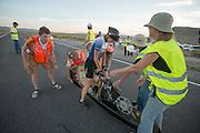 Barbara Buatois na afloop van haar race op de vierde racedag van de WHPSC. In de buurt van Battle Mountain, Nevada, strijden van 10 tot en met 15 september 2012 verschillende teams om het wereldrecord fietsen tijdens de World Human Powered Speed Challenge. Het huidige record is 133 km/h.<br /> <br /> Barbara Buatois after her race on the fourth day of the WHPSC. Near Battle Mountain, Nevada, several teams are trying to set a new world record cycling at the World Human Powered Vehicle Speed Challenge from Sept. 10th till Sept. 15th. The current record is 133 km/h.