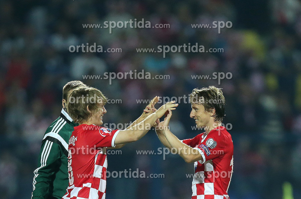 13.10.2014, Stadion Gradski vrt, Osijek, CRO, UEFA Euro Qualifikation, Kroatien vs Aserbaidschan, Gruppe H, im Bild Alen Halilovici, Luka Modric // during the UEFA EURO 2016 Qualifier group H match between Croatia and Azerbaijan at the Stadion Gradski vrt in Osijek, Croatia on 2014/10/13. EXPA Pictures &copy; 2014, PhotoCredit: EXPA/ Pixsell/ Igor Kralj<br /> <br /> *****ATTENTION - for AUT, SLO, SUI, SWE, ITA, FRA only*****