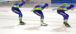 11-12-2015 NED: ISU World Cup, Heerenveen<br /> Team pursuit men / Nederland pakt in 3:43.77 het goud op de achtervolging. Sven Kramer, Jan Blokhuijsen en Jorrit Bergsma