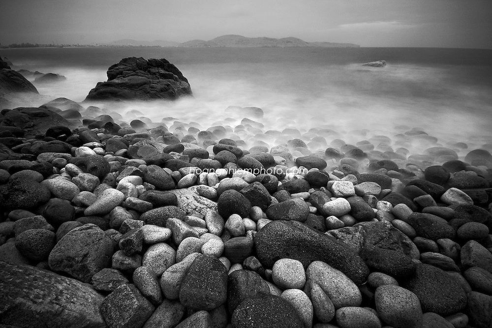Vietnam Images-Fine art-Infrared-seascape. hoàng thế nhiệm