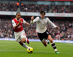 20.11.2010, White Hart lane, London, ENG, PL, FC Arsenal vs Tottenham Hotspur, im Bild Action Tottenham's Gareth Bale and Arsenal's Theo Walcott    during  Arsenal vs Tottenham for the EPL at Emirates Stadium    in London on 19/11/2009 Scorers Arsenal's Marouane Chamakh and Arsenal's Andrei Arshavin. EXPA Pictures © 2010, PhotoCredit: EXPA/ IPS/ Marcello Pozzetti +++++ ATTENTION - OUT OF ENGLAND/UK +++++