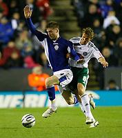 Photo: Steve Bond/Richard Lane Photography. Leicester City v Plymouth Albion. Coca Cola Championship. 21/11/2009. Paul Gallagher (L) pushes past Chris Clark (R)
