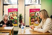 """ROTTERDAM, 11-6-2020 .Koningin Maxima tijdens een werkbezoek aan vrijwilligersorganisatie House of Hope in Rotterdam. De organisatie helpt kwetsbare bewoners van Rotterdam-Zuid bij maatschappelijke, financiële en praktische problemen. House of Hope is één van de deelnemers van het programma 'Meedoen, samen uit de armoede' van het Oranje Fonds.<br /> <br /> Queen Maxima during a working visit to voluntary organization House of Hope in Rotterdam. The organization helps vulnerable residents of Rotterdam South with social, financial and practical problems. House of Hope is one of the participants in the """"Participate together out of poverty"""" program of the Orange Fund."""