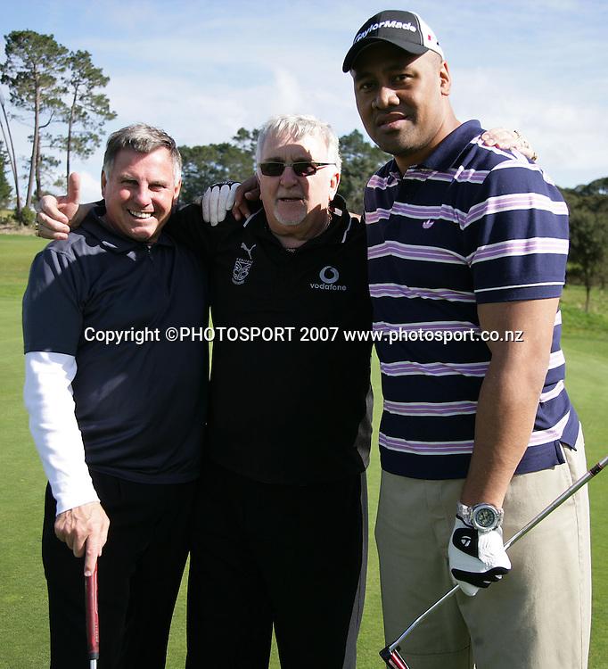 L to R John Hart, Peter Leitch and Jonah Lomu. Warriors golf day. Huapai Golf Club, Auckland, New Zealand. Monday 13 August 2007. Photo: Hagen Hopkins/PHOTOSPORT