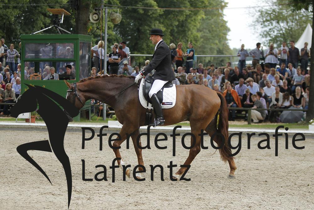 WIDMANN Rudolf, Sans Souci 26<br /> Warendorf Bundeschampionate - 2011<br /> <br /> (c) www.sportfotos-Lafrentz. de/Stefan Lafrentz