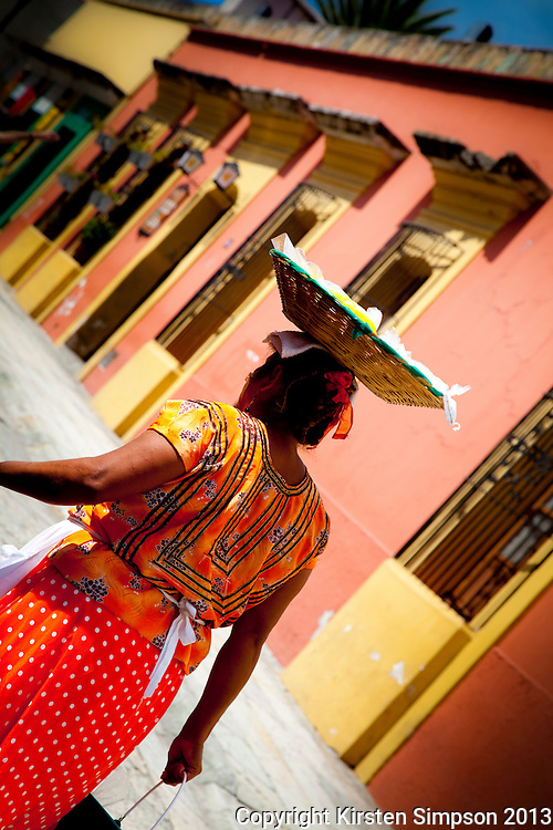 Delivering Food to Street Vendors