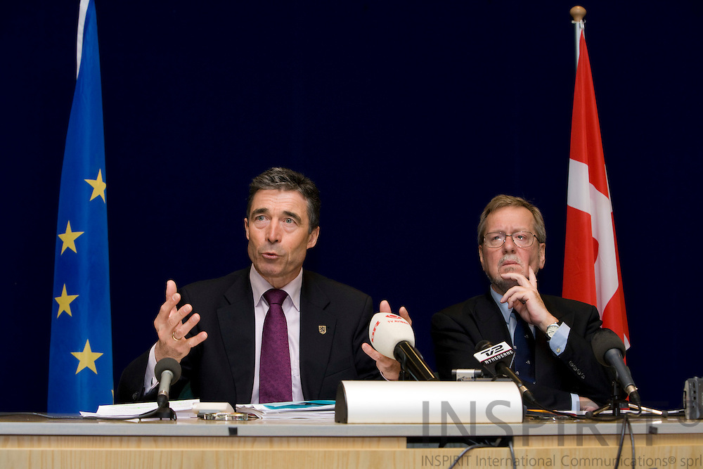 BRUSSELS - BELGIUM - 14 MARCH 2008 --  EUROPEAN COUNCIL SUMMIT SLOVENIAN PRESIDENCY -- Anders Fogh RASMUSSEN, Prime Minister of Denmark, and Per Stig MØLLER (Moeller, Moller), Danish Minister for Foreign Affairs, during the national press conference after the EU Summit. Photo: Erik Luntang