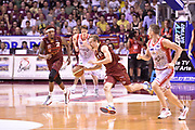 DESCRIZIONE : Venezia Lega A 2014-15 Semifinale Gara 7 Umana Venezia - Grissin Bon Reggio Emilia  <br /> GIOCATORE : Deividas Dulkys,<br /> CATEGORIA : contropiede palleggio<br /> SQUADRA : Umana Venezia<br /> EVENTO : Campionato Lega A 2014-2015 <br /> GARA : Semifinale Gara 7 Umana Venezia - Grissin Bon Reggio Emilia <br /> DATA : 11/06/2015<br /> SPORT : Pallacanestro <br /> AUTORE : Agenzia Ciamillo-Castoria/GiulioCiamillo<br /> Galleria : Lega Basket A 2014-2015  <br /> Fotonotizia : Venezia Lega A 2014-15 Semifinale Gara 7 Umana Venezia - Grissin Bon Reggio Emilia