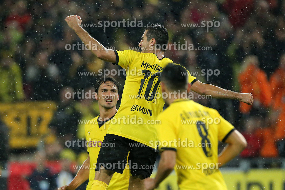27.08.2015, Signal Iduna Park, Dortmund, GER, UEFA Euro Qualifikation, Borussia Dortmund vs Odd Grenland, Playoff, R&uuml;ckspiel, im Bild v.l. Mats Hummels (Dortmund), Henrikh Mkhitaryan (Dortmund) un Ilkay Guendogan (Dortmund) jubeln nach dem Tor zum 2:1 durch Henrikh Mkhitaryan (Dortmund) // during UEFA Europa League Playoff 2nd Leg match between Borussia Dortmund and Odd Grenland Signal Iduna Park in Dortmund, Germany on 2015/08/27. EXPA Pictures &copy; 2015, PhotoCredit: EXPA/ Eibner-Pressefoto/ Hommes<br /> <br /> *****ATTENTION - OUT of GER*****