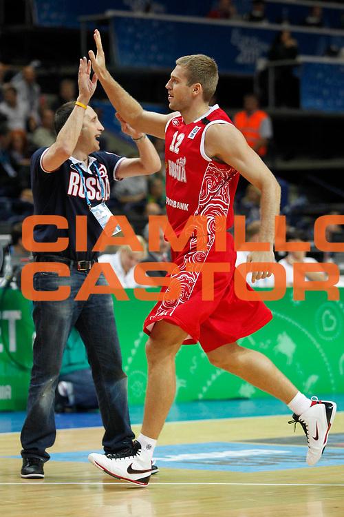DESCRIZIONE : Vilnius Lithuania Lituania Eurobasket Men 2011 Second Round Grecia Russia Greece Russia<br /> GIOCATORE : Sergey Monya David Blatt<br /> SQUADRA : Russia<br /> EVENTO : Eurobasket Men 2011<br /> GARA : Grecia Russia Greece Russia<br /> DATA : 10/09/2011<br /> CATEGORIA : esultanza<br /> SPORT : Pallacanestro <br /> AUTORE : Agenzia Ciamillo-Castoria/M.Metlas<br /> Galleria : Eurobasket Men 2011<br /> Fotonotizia : Vilnius Lithuania Lituania Eurobasket Men 2011 Second Round Grecia Russia Greece Russia<br /> Predefinita :