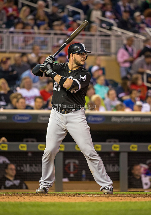 MINNEAPOLIS, MN- MAY 01: Tyler Flowers #21 of the Chicago White Sox bats against the Minnesota Twins on May 1, 2015 at Target Field in Minneapolis, Minnesota. The Twins defeated the White Sox 1-0. (Photo by Brace Hemmelgarn) *** Local Caption *** Tyler Flowers