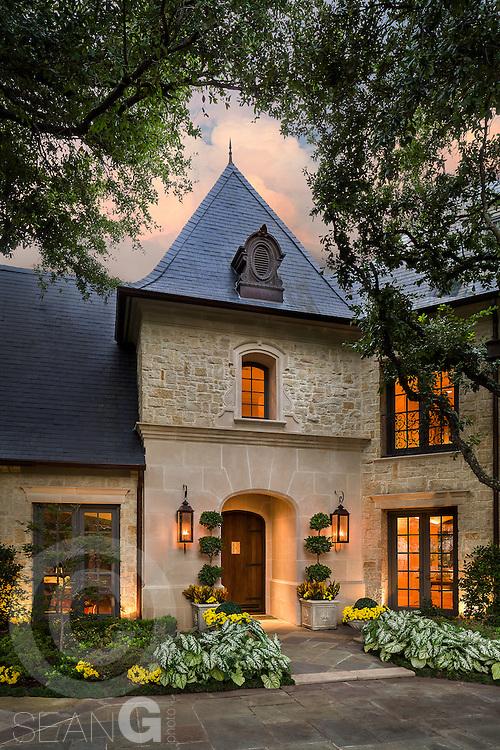 9525 Alva Court, Dallas, Texas