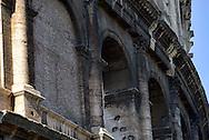 Roma 31 Gennaio 2013.Lavori sul lato dei Fori Imperiali della Soprintendenza ai beni archeologici, per verificare lo stato di conservazione delle superfici del Colosseo e della messa in sicurezza del monumento..La superfice del Colosseo annerita dallo smog.Rome January 31, 2013.Work on the side of the Imperial Forums of the Superintendency of archaeological sites, to verify the condition of the surfaces of the Colosseum and the safety of the monument..The surface of the Colosseum blackened by smog