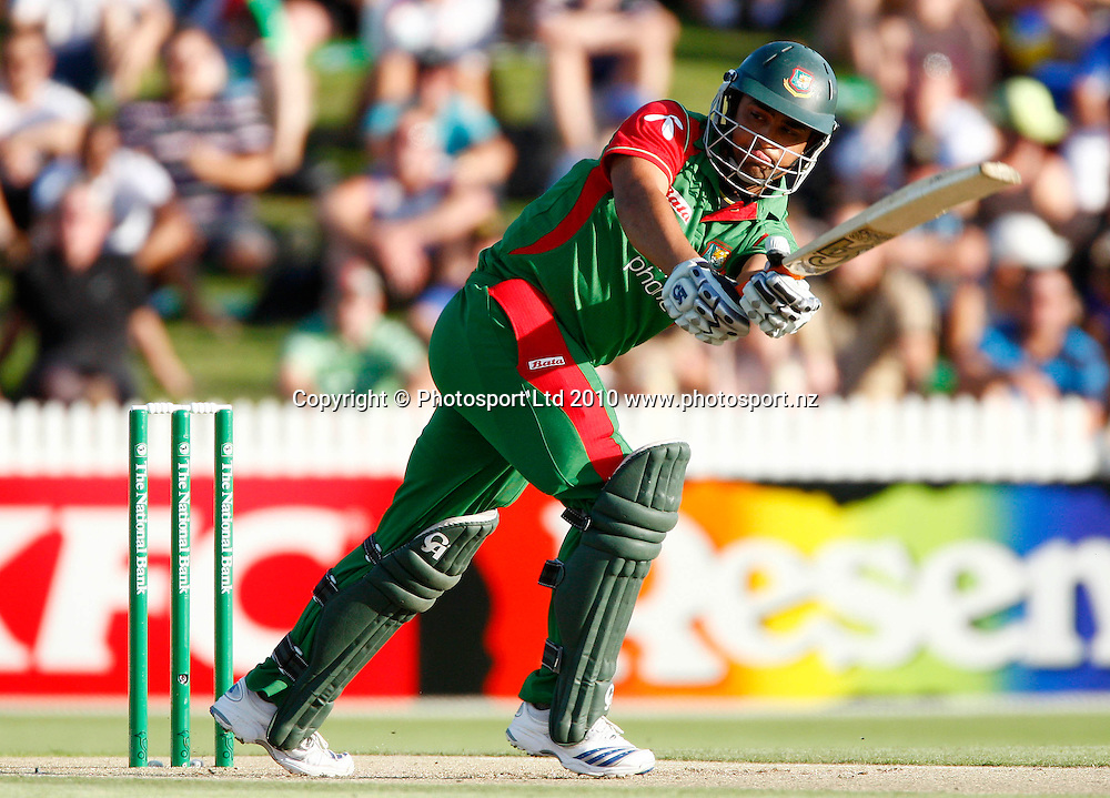 Bangladeshi batsman Tamin Iqbal Khan. KFC Twenty20, New Zealand Blackcaps v Bangladesh, Seddon Park, Hamilton. Wednesday 3rd February 2010. Photo: Simon Watts/PHOTOSPORT