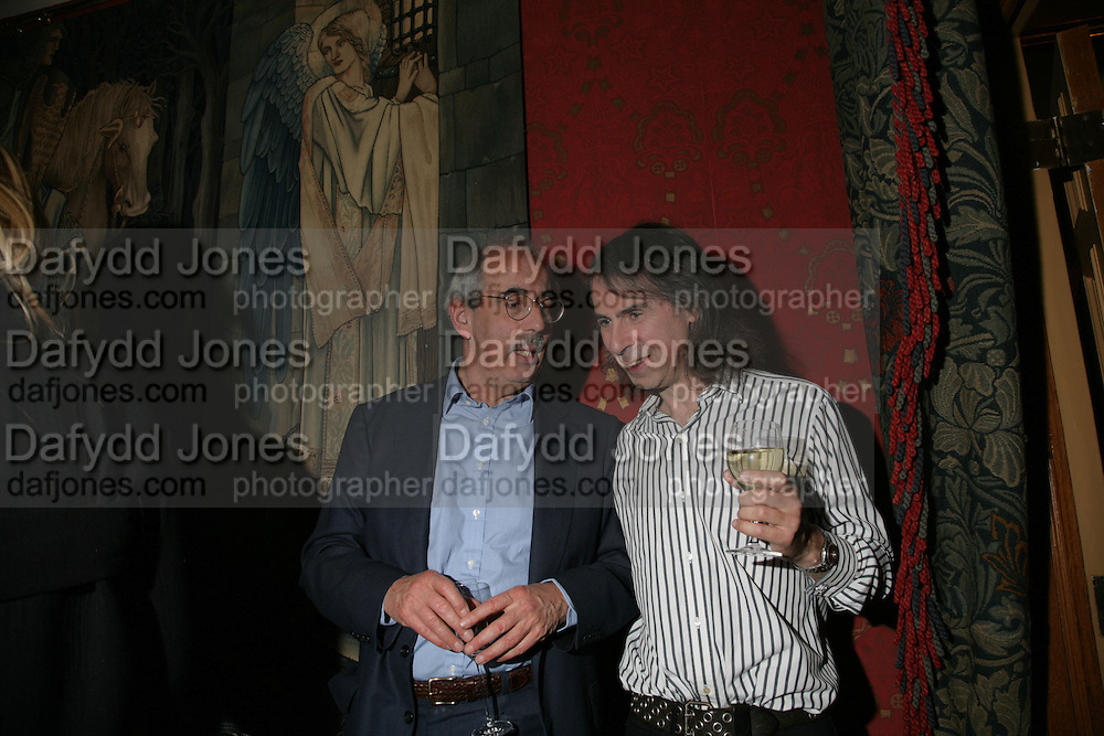 Tom Bower and Ivor Braka, Party for Jean Pigozzi hosted by Ivor Braka to thank him for the loan exhibition 'Popular Painting' from Kinshasa'  at Tate Modern. Cadogan sq. London. 29 May 2007.  -DO NOT ARCHIVE-© Copyright Photograph by Dafydd Jones. 248 Clapham Rd. London SW9 0PZ. Tel 0207 820 0771. www.dafjones.com.