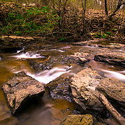 While I was visiting Mason Mill in Atlanta Georgia, this called my attention and I pulled out my camera and stared shooting this beautiful creek.