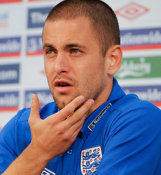 09.06.2010, Medienzentrum, Sports Campus, Rustenburg, RSA, FIFA WM 2010, England Pressekonferenz im Bild Joe Cole beantwortet die Fragen der Journalisten, EXPA Pictures © 2010, PhotoCredit: EXPA/ IPS/ Mark Atkins / SPORTIDA PHOTO AGENCY
