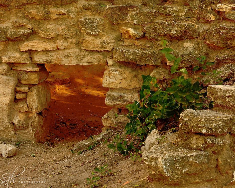 Ruins of a wall near the Montezuma Well swallet