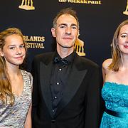 NLD/Utrecht/20160930 - inloop NFF 2016 L'OR Gouden Kalveren Gala, barry Atsma, partner Petra en dochter