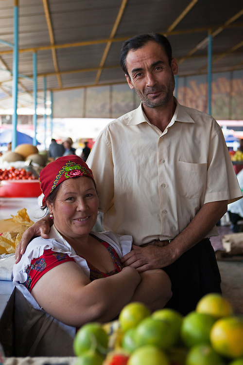 A couple working together in the market in Dashoguz, Turkmenistan