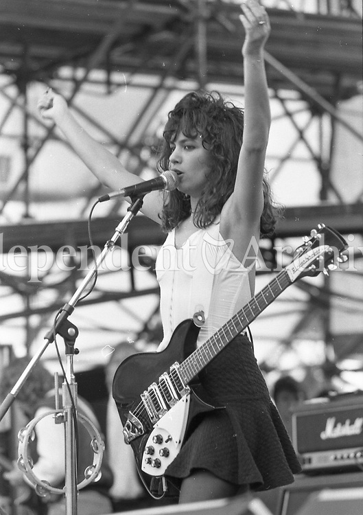 Susanna Hoffs of The Bangles, who were one of the support bands for Queen at Slane Castle. 5/7/86. (Part of the Independent Newspapers Ireland/NLI Collection)