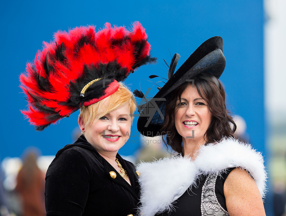09.10.2016           <br /> Attend the Keanes Jewellers Best dressed competition at Limerick Racecourse were, Lorainne O'Connell, Limerick and Lisa Tracey, Dooradoyle Limerick. Picture: Alan Place