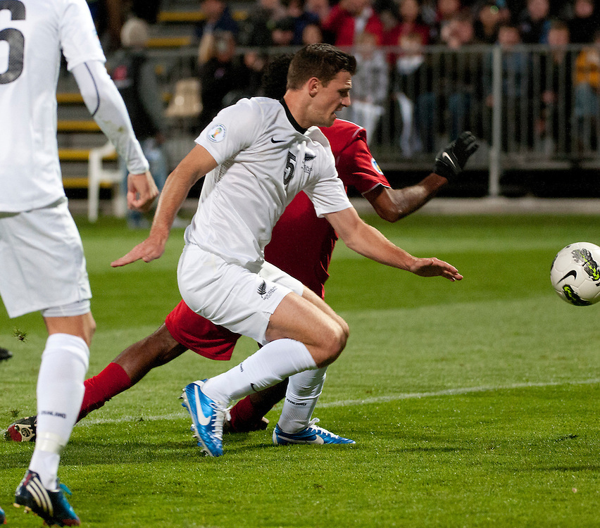 New Zealand's  Tommy Smith against Tahiti in a FIFA World Cup Qualifier Match at the AMI Stadium, Christchurch, New Zealand, Tuesday, October 16, 2012. Credit :  SNPA / David Alexander