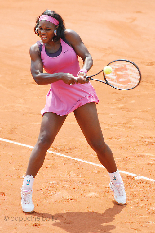 Roland Garros. Paris, France. June 3rd 2007..Serena WILLIAMS against Dinara SAFINA...