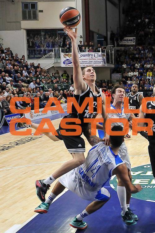 DESCRIZIONE : Eurolega Euroleague 2014/15 Gir.A Dinamo Banco di Sardegna Sassari - Real Madrid<br /> GIOCATORE : Jaycee Carroll<br /> CATEGORIA : Tiro Penetrazione Sfondamento Fallo<br /> SQUADRA : Real Madrid<br /> EVENTO : Eurolega Euroleague 2014/2015<br /> GARA : Dinamo Banco di Sardegna Sassari - Real Madrid<br /> DATA : 12/12/2014<br /> SPORT : Pallacanestro <br /> AUTORE : Agenzia Ciamillo-Castoria / Luigi Canu<br /> Galleria : Eurolega Euroleague 2014/2015<br /> Fotonotizia : Eurolega Euroleague 2014/15 Gir.A Dinamo Banco di Sardegna Sassari - Real Madrid<br /> Predefinita :