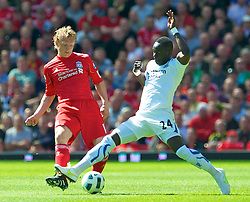 01.05.2011, Anfield, Liverpool, ENG, PL, Liverpool FC vs Newcastle United FC, im Bild Liverpool's Dirk Kuyt and Newcastle United's Ismael Chiek Tiote during the Premiership match at Anfield, EXPA Pictures © 2011, PhotoCredit: EXPA/ Propaganda/ *** ATTENTION *** UK OUT!