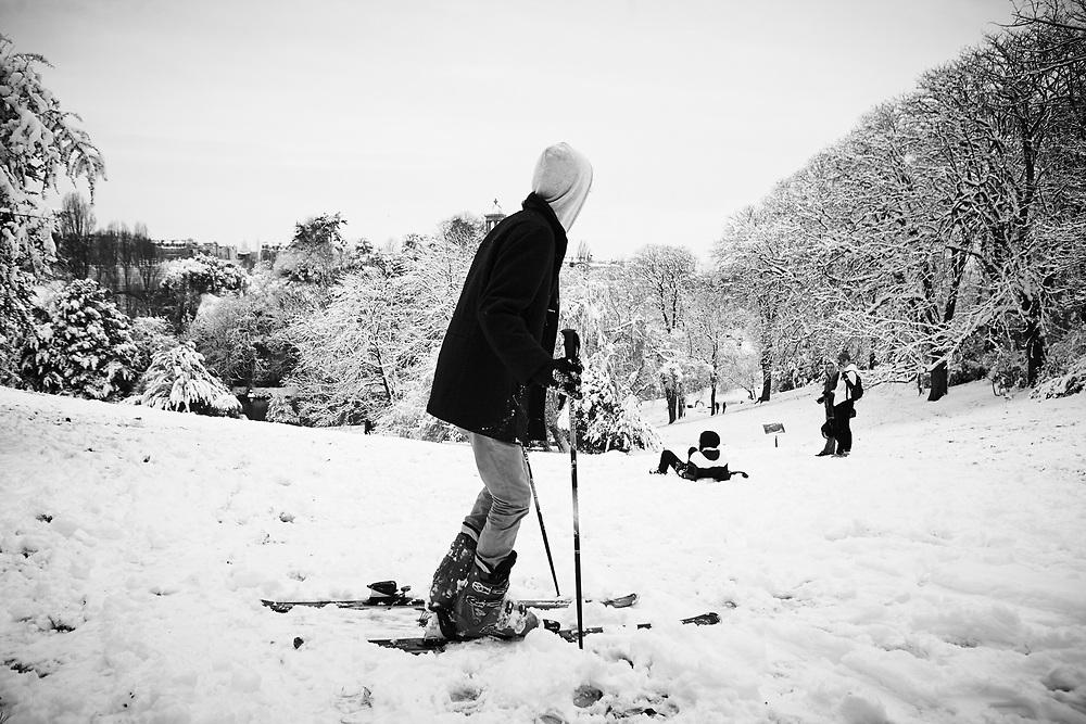 Snow in Parc des Buttes-Chaumont, Paris 2018