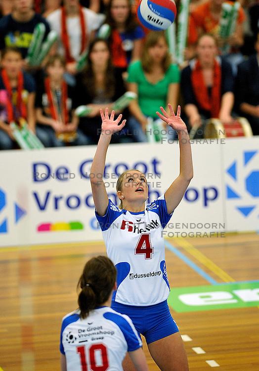 01-05-2011 VOLLEYBAL: PLAYOFF FINALE HEUTINK POLLUX - VC WEERT: OLDENZAAL<br /> Tess von Piekartz<br /> &copy;2011- FotoHoogendoorn.nl