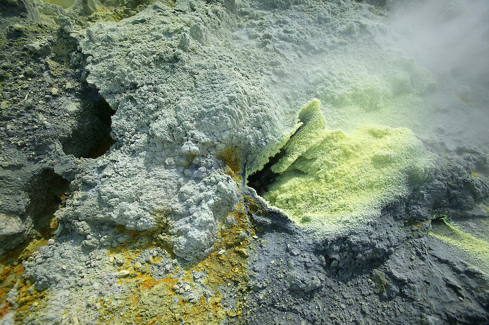 A thermal vent spewing steam and sulphur near the main crater on White Island in the Bay of Plenty, New Zealand, November 06, 2005. Credit:SNPA / Rob Tucker
