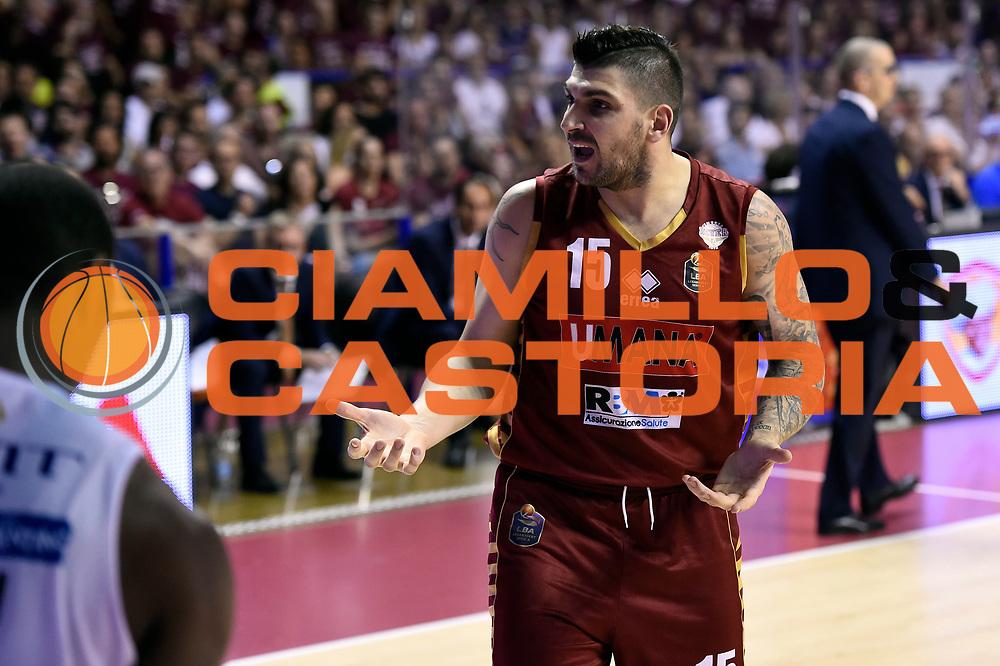 Esteban Batista<br /> Umana Reyer Venezia - Dolomiti Energia Aquila Basket Trento<br /> Lega Basket Serie A 2016/2017<br /> Playoff, finale gara 5<br /> Venezia, 18/06/2017<br /> Foto M.Ceretti / Ciamillo-Castoria