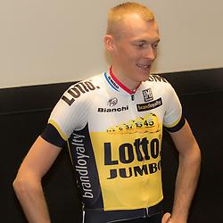 08-01-2016: Wielrennen: Presentatie Lotto Jumbo: Den Bosch<br />'s-HERTOGENBOSCH (NED) wielrennen<br />Team Lotto-Jumbo werd gepresenteerd op het HQ van Brand Loyalty<br />Robert Gesink