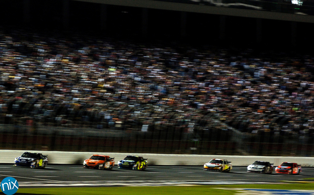 Jimmie Johnson leads an early lap of the Bank of America 500 at Lowe's Motor Speedway Saturday, Oct. 11, 2008. (photo by James Nix)