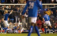 Fotball<br /> Caling Cup England 2004/2005<br /> Andre runde<br /> 21.09.2004<br /> Foto: SBI/Digitalsport<br /> NORWAY ONLY<br /> <br /> Birmingham City v Lincoln City<br /> <br /> Birmingham's Robbie Savage (L) raises an arm in celebration after Jesper Grønkjær's (R) strike beats Lincoln keeper Alan Marriott.