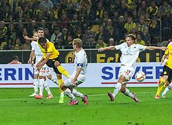 27.08.2015, Signal Iduna Park, Dortmund, GER, UEFA Euro Qualifikation, Borussia Dortmund vs Odd Grenland, Playoff, Rückspiel, im Bild v.l. Vegard Bergan (Odds) und Fredrik Jensen (Odds) beobachten den Torschuss von Shinji Kagawa (Dortmund) // during UEFA Europa League Playoff 2nd Leg match between Borussia Dortmund and Odd Grenland at Signal Iduna Park in Dortmund, Germany on 2015/08/27. EXPA Pictures © 2015, PhotoCredit: EXPA/ Eibner-Pressefoto/ Hommes<br /> <br /> *****ATTENTION - OUT of GER*****