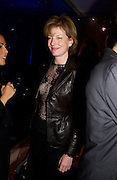 Julia Peyton-Jones, 2004 Frieze Art Fair curatorial programme Cartier dinner. Yauacha, Broadwick St. 13 October 2004. ONE TIME USE ONLY - DO NOT ARCHIVE  © Copyright Photograph by Dafydd Jones 66 Stockwell Park Rd. London SW9 0DA Tel 020 7733 0108 www.dafjones.com
