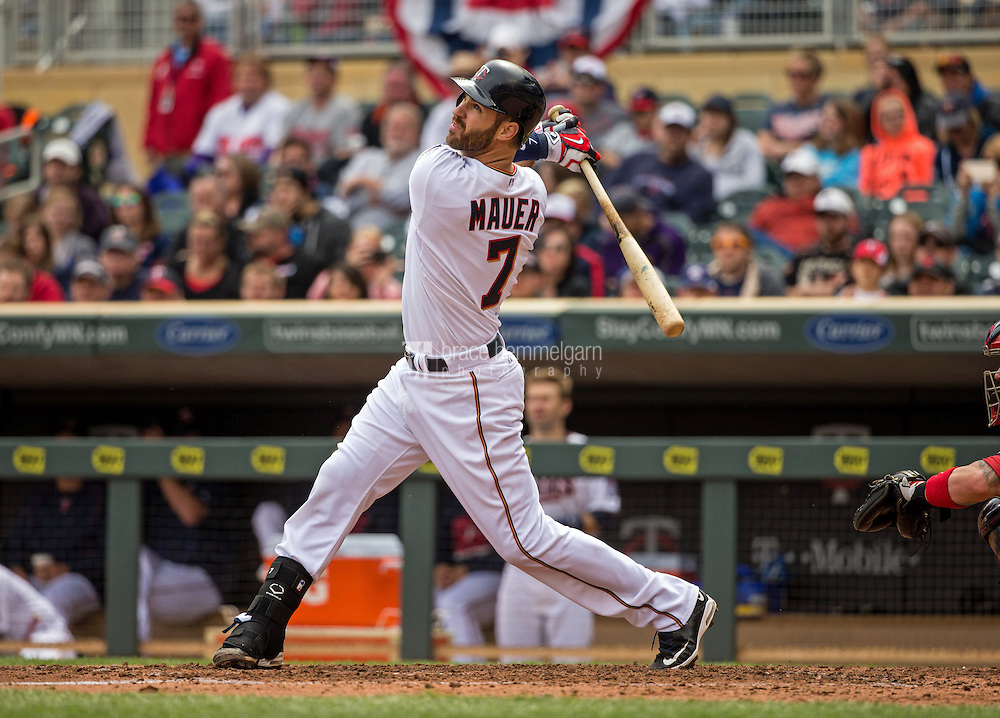 MINNEAPOLIS, MN- APRIL 19: Joe Mauer #7 of the Minnesota Twins bats against the Cleveland Indians on April 19, 2015 at Target Field in Minneapolis, Minnesota. The Twins defeated the Indians 7-2. (Photo by Brace Hemmelgarn) *** Local Caption *** Joe Mauer