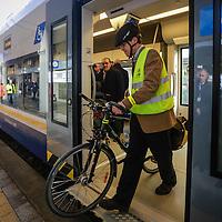 """In treno con la bici sul nuovo GTT """"Coradia Meridian' di Alstom  in servizio sulla  linea Rivarolo-Chieri del Servizio Ferroviario Metropolitano di Torino"""