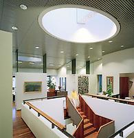 Ráðhús Reykjavíkur að Tjarnargötu 11, Reykjavík. Skrifstofur á annari hæð..Reykjavik City Hall at Tjarnargata 11, Reykjavik. Offices 2nd floor.