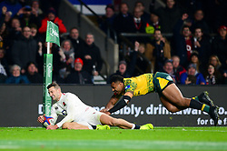 Jonny May of England scores a try which is disallowed - Mandatory by-line: Dougie Allward/JMP - 24/11/2018 - RUGBY - Twickenham Stadium - London, England - England v Australia - Quilter Internationals