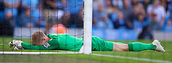 22.09.2013, Etihad Stadion, Manchester, ENG, Premier League, Manchester City vs Manchester United, 5. Runde, im Bild Manchester City's goalkeeper Joe Hart looks dejected as Manchester United score a consolation goal during the English Premier League 5th round match between Manchester City and Manchester United at the Etihad Stadium, Manchester, Great Britain on 2013/09/22. EXPA Pictures &copy; 2013, PhotoCredit: EXPA/ Propagandaphoto/ David Rawcliffe<br /> <br /> ***** ATTENTION - OUT OF ENG, GBR, UK *****