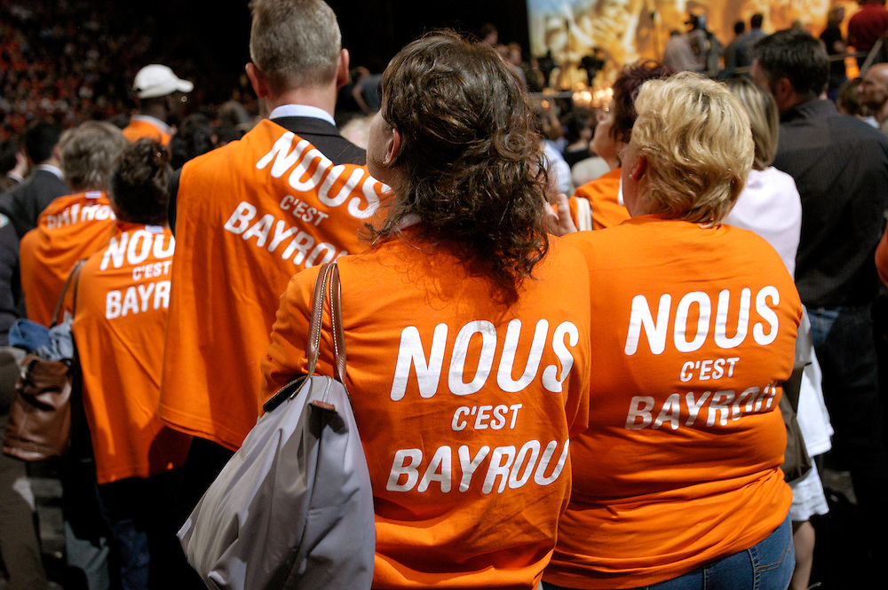 Supporters of French presidential candidate François Bayrou during a political rally attended by 17,000 people at the Bercy Omnisport Arena in the last days of campaigning before the first round of voting..Paris, France. 18/04/2007.Photo © J.B. Russell