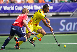 08 ENG vs INDIA (2-1) : SINGH Sardar (C) opposed to JACKSON Ashley